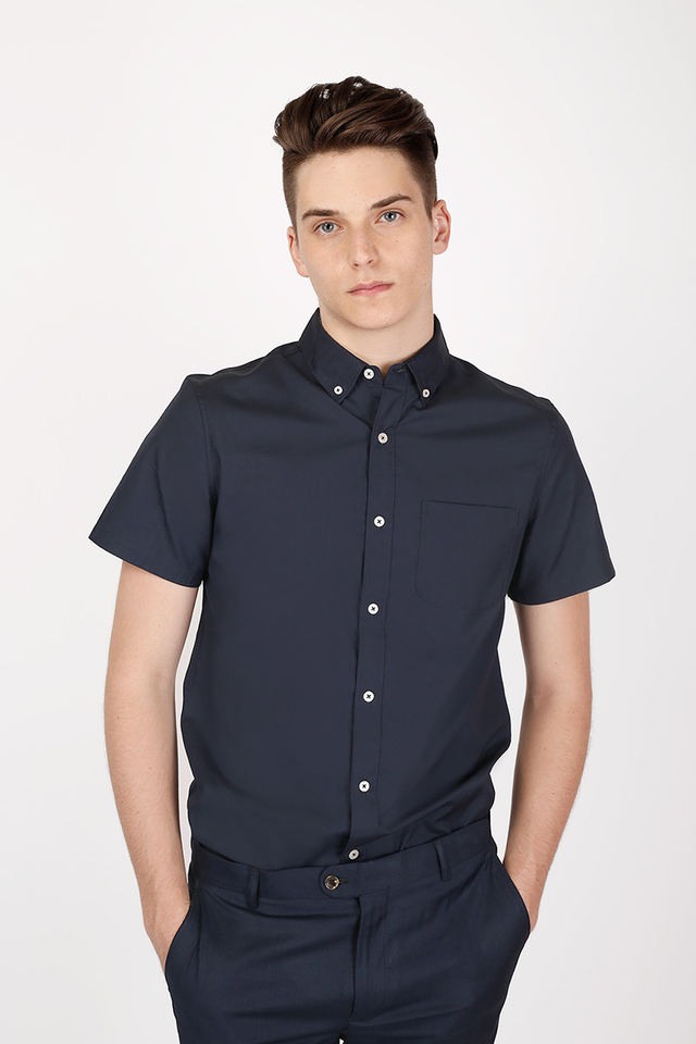 DYLAN SHORT SLEEVE POPLIN SHIRT IN NAVY