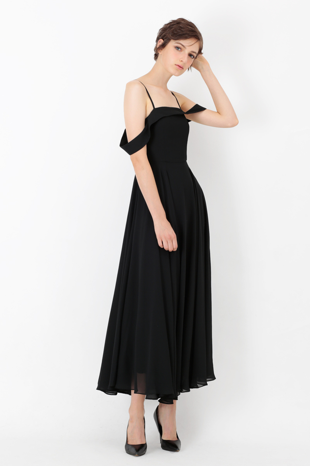 GISELLE DRAPE SHOULDER MAXI DRESS IN BLACK