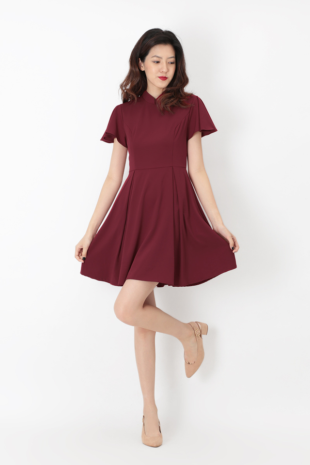 VERA CHEONGSAM FLUTTER SLEEVE DRESS IN WINE