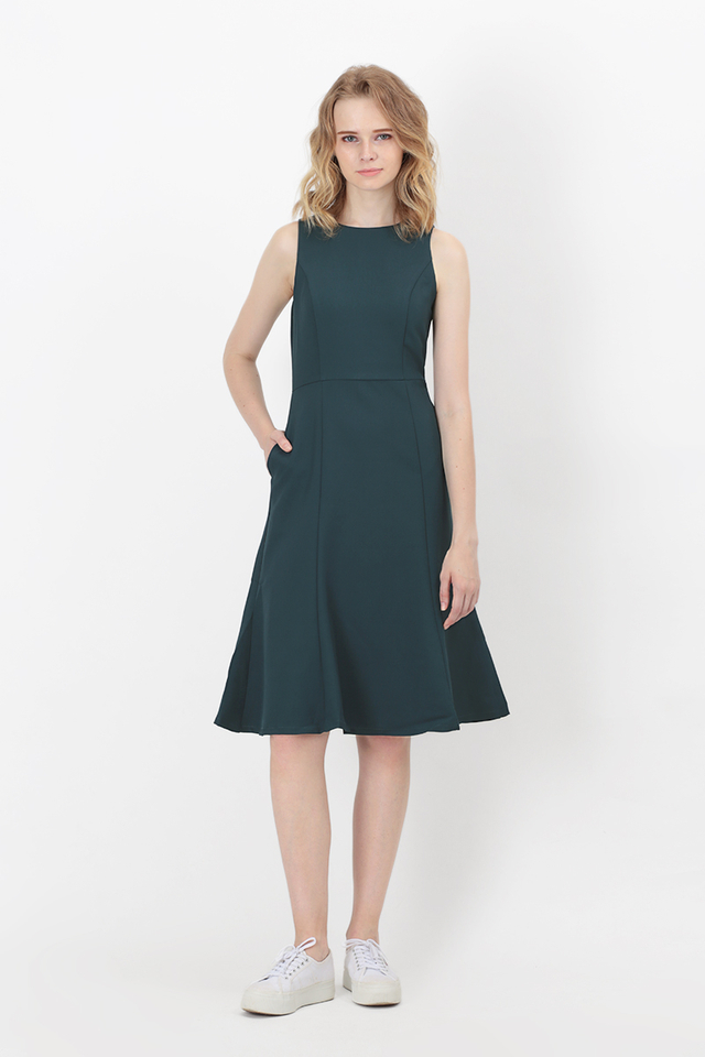 ALENE MERMAID MIDI DRESS IN FOREST