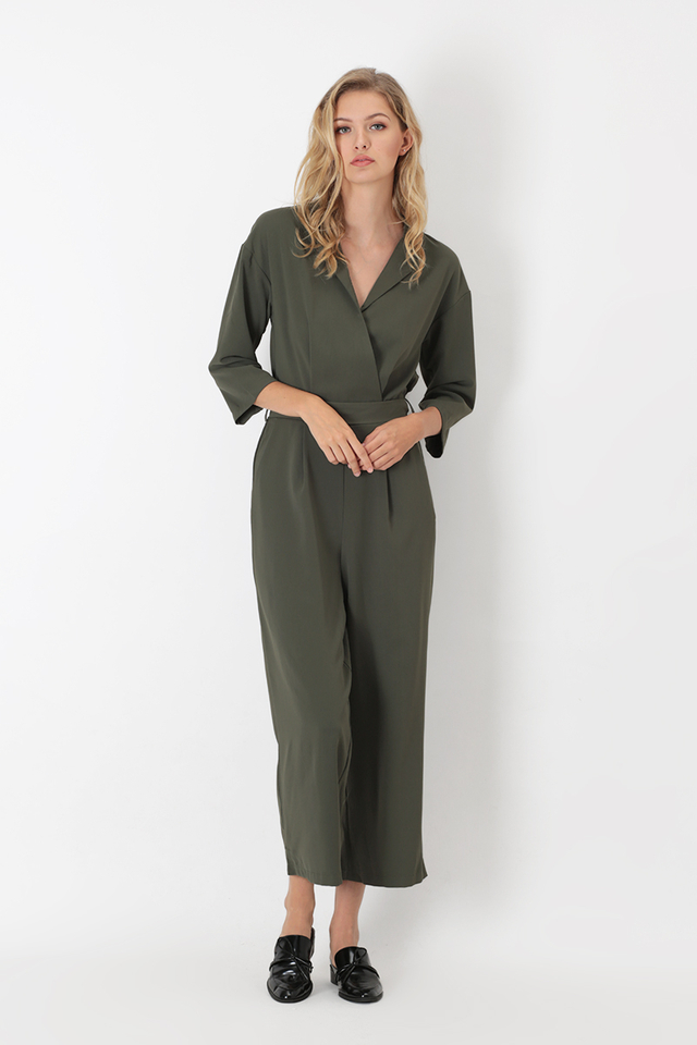 JAYME COLLAR JUMPSUIT IN OLIVE