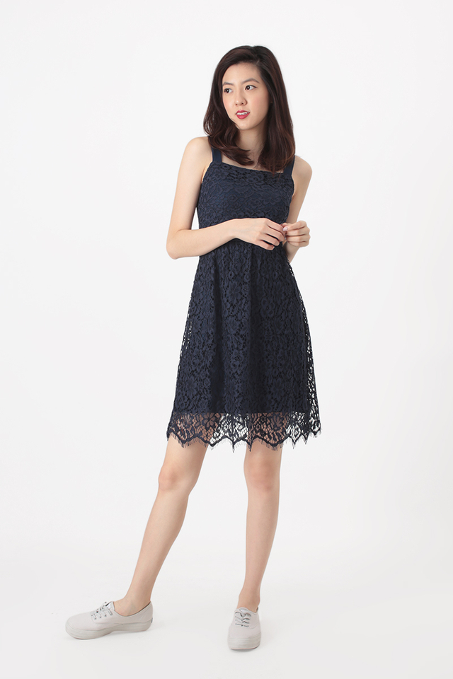 MALORIE LACE DRESS IN NAVY