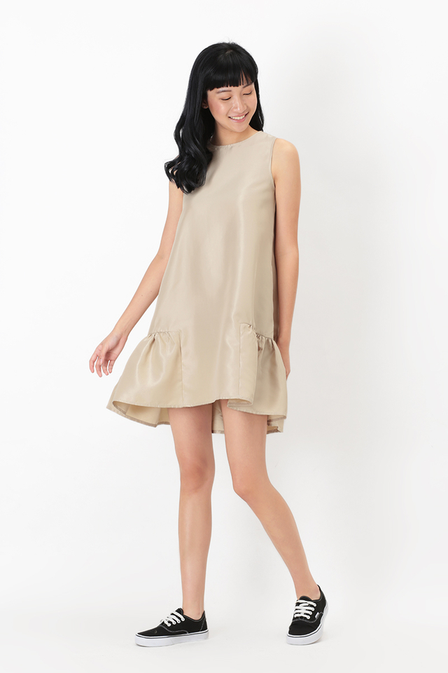 TABITHA DROP HEM DRESS IN CHAMPAGNE