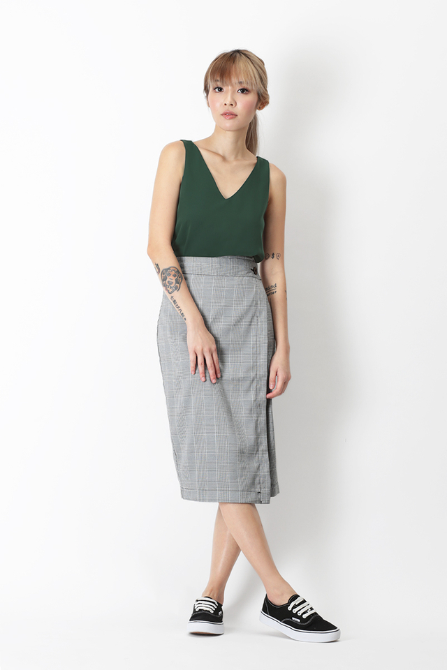LIANNA CHECKERED WRAP SKIRT IN BLACK