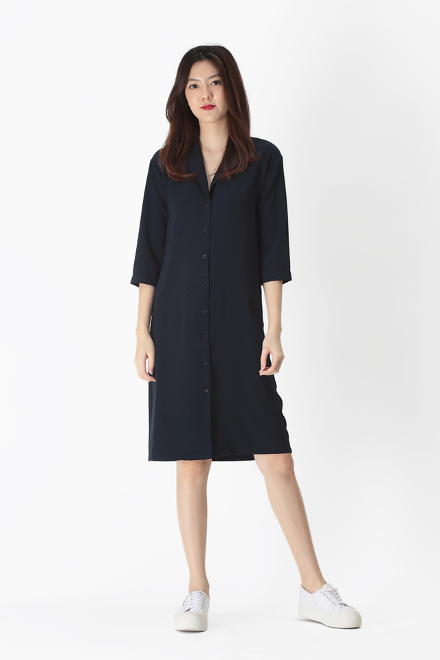 ASHLEIGH CAMP COLLAR SHIRT DRESS IN NAVY