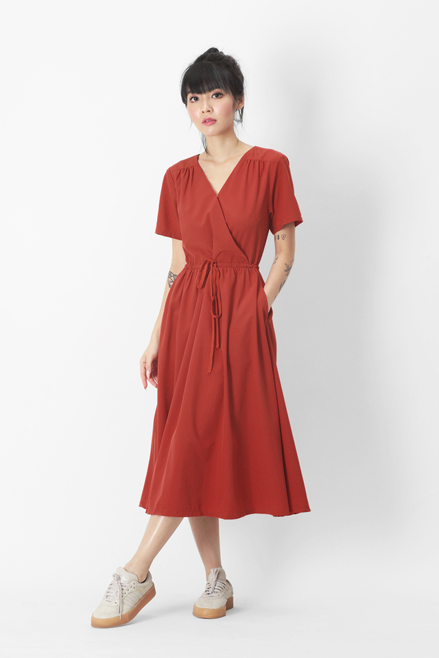 ELYSE MIDI DRESS IN AURORA RED