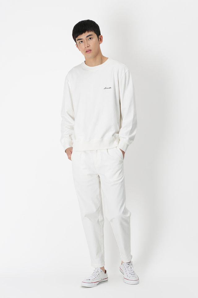 WYATT WIDE-FIT CHINOS IN WHITE