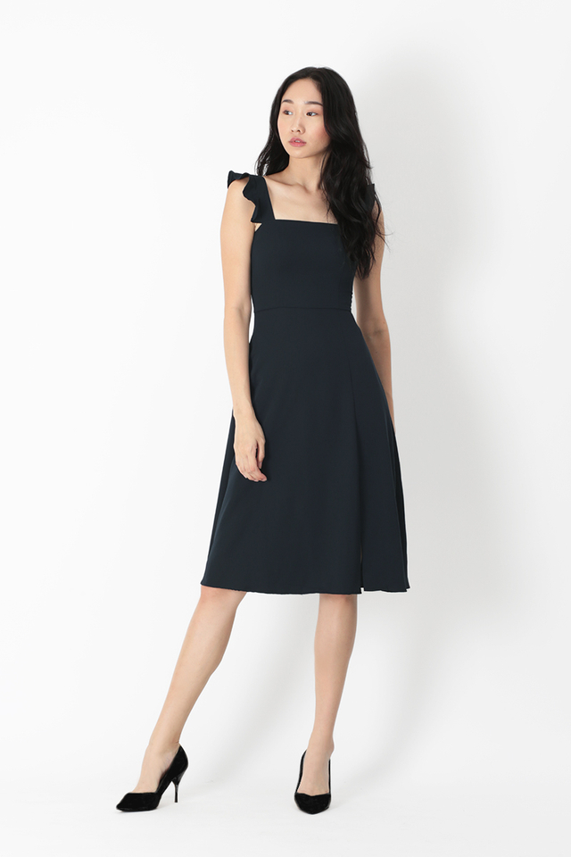 MADELINE FLUTTER SLEEVE DRESS IN NAVY