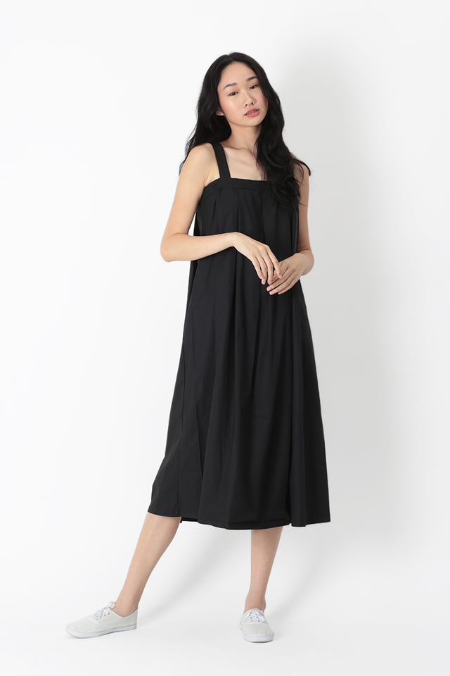 ODETTE FLARE MIDI DRESS IN BLACK