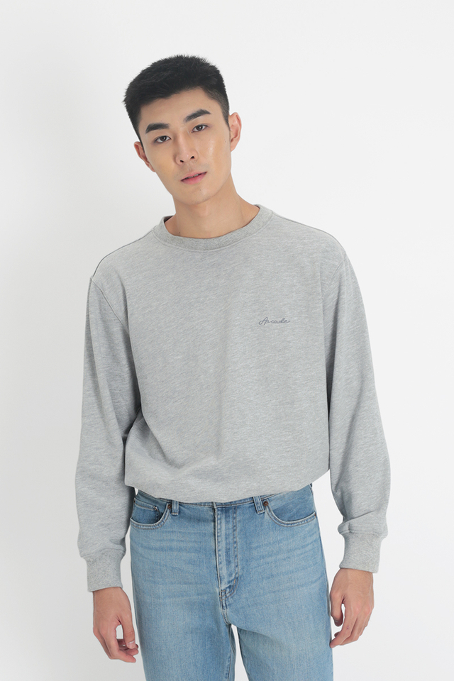 ARCADE SCRIPT LOGO SWEATER IN GREY