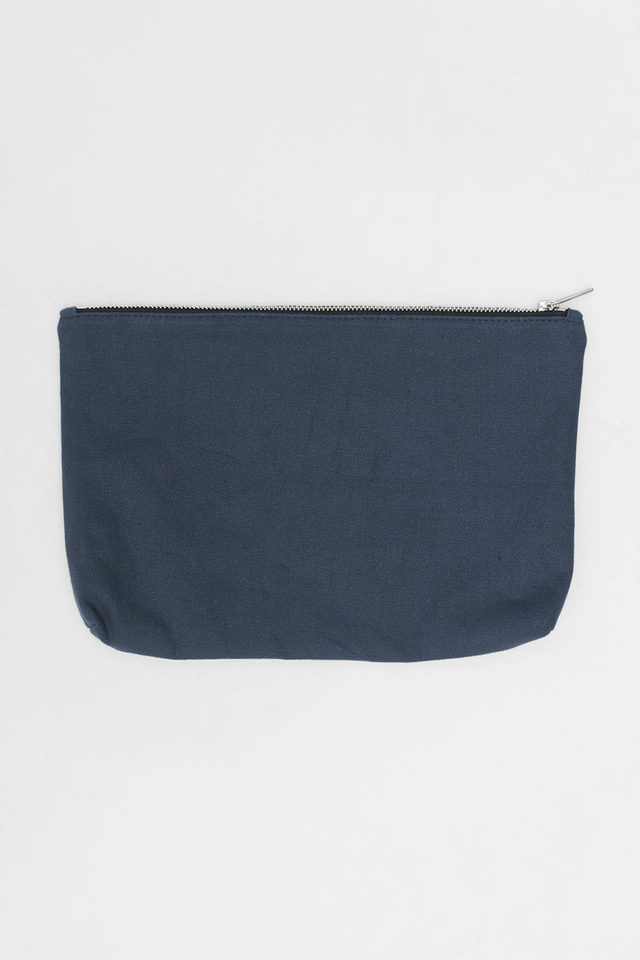 ARCADE SCRIPT LOGO CANVAS POUCH IN NAVY