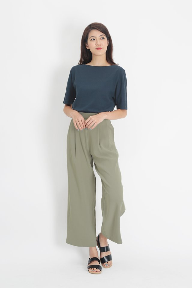 SANDRA LINEN WIDE NECK BLOUSE IN NAVY