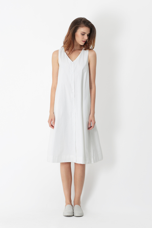 ARYA BUTTON MIDI DRESS IN WHITE