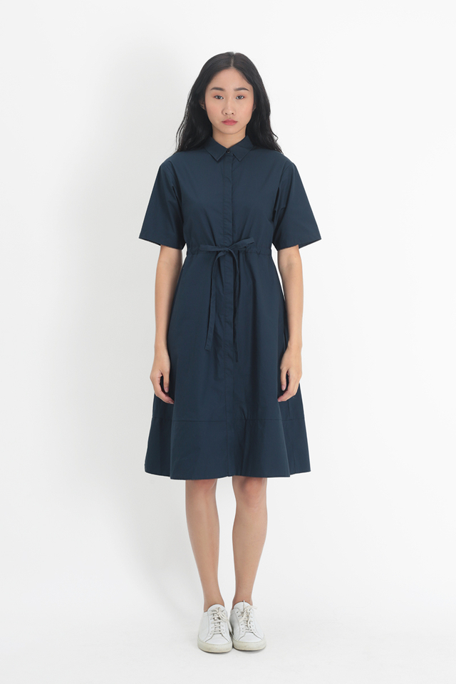 BILLIE DRAWSTRING SHIRT DRESS IN NAVY