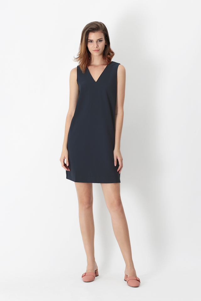 NISHA V-NECK SHIFT DRESS IN NAVY