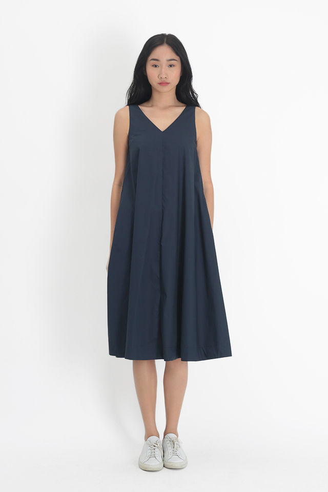 WILLOW V-NECK FLARE DRESS IN NAVY