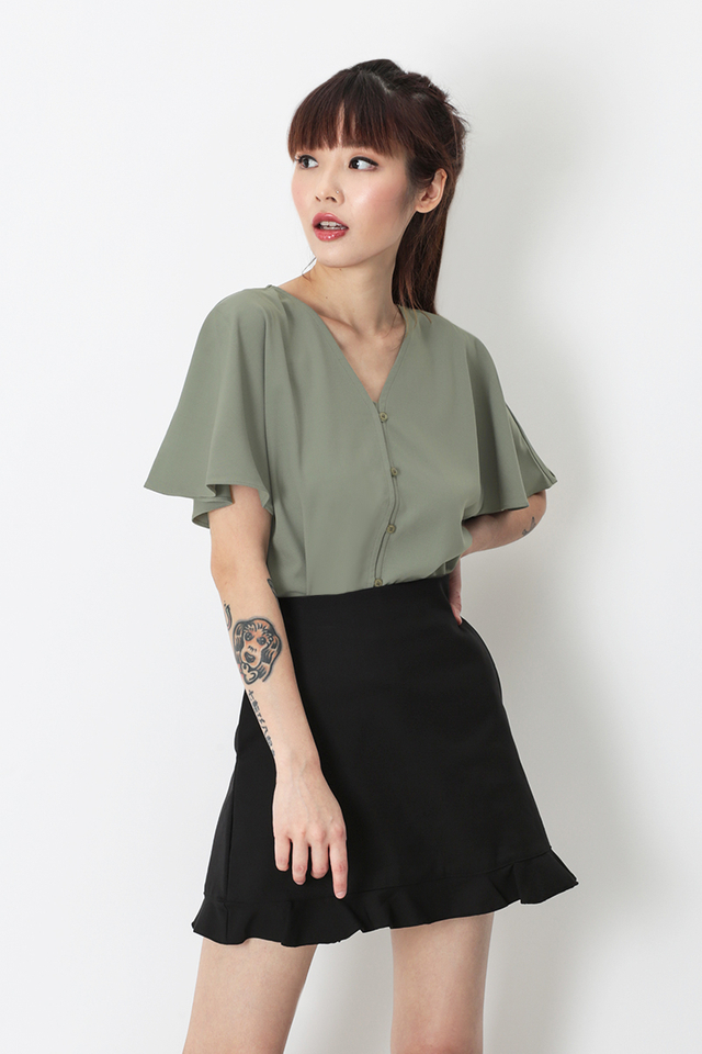 MABEL FLUTTER SLEEVE BLOUSE IN SAGE