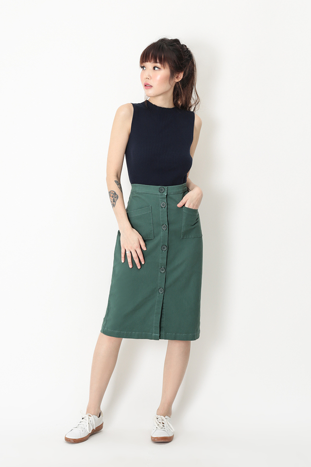 ANDIE BUTTON SKIRT IN ELM GREEN