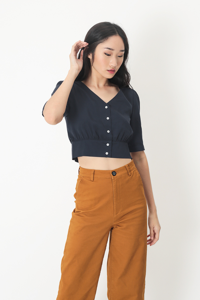 INEZ BUTTON BLOUSE IN NAVY
