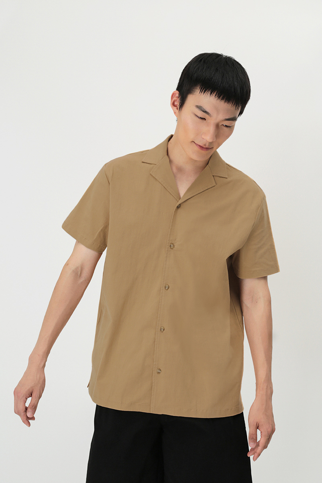 KAI CAMP COLLAR SHIRT IN DESERT