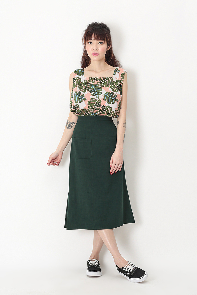 AVA PATCH POCKET SKIRT IN FOREST