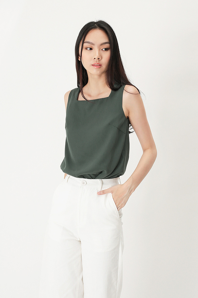ELLIS SQUARE NECK TOP IN VINEYARD GREEN