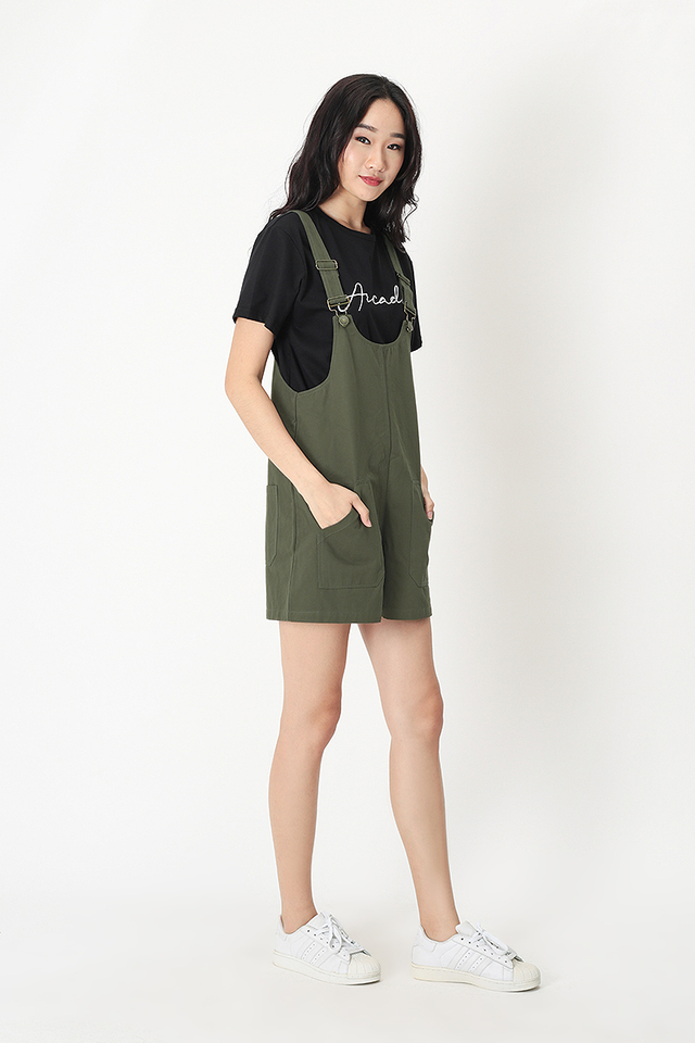 EVAN PATCH POCKET DUNGAREE IN OLIVE