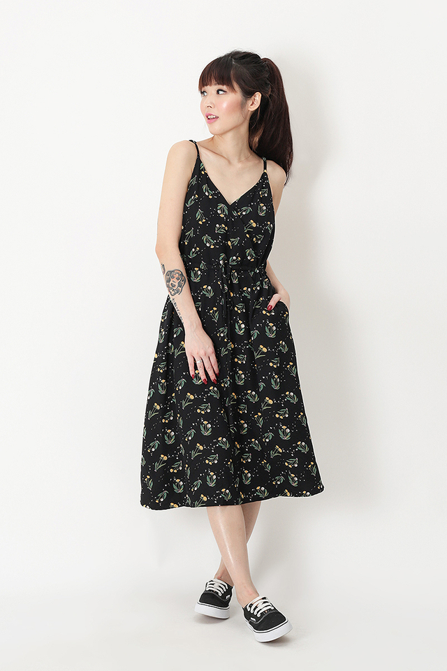 IRIS FLORAL DRAWSTRING DRESS IN BLACK