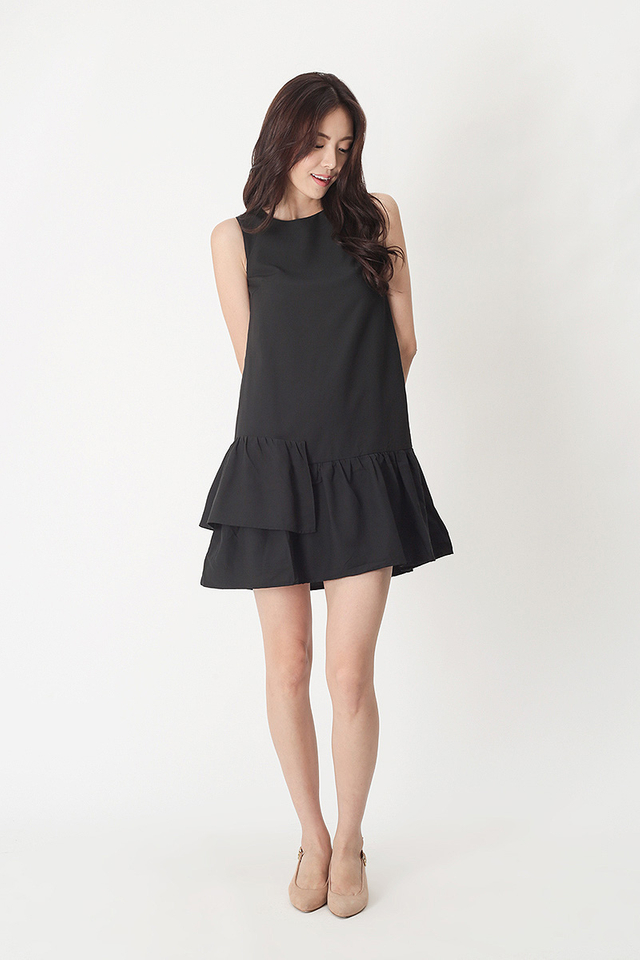 MANDY TIER HEM DRESS IN BLACK