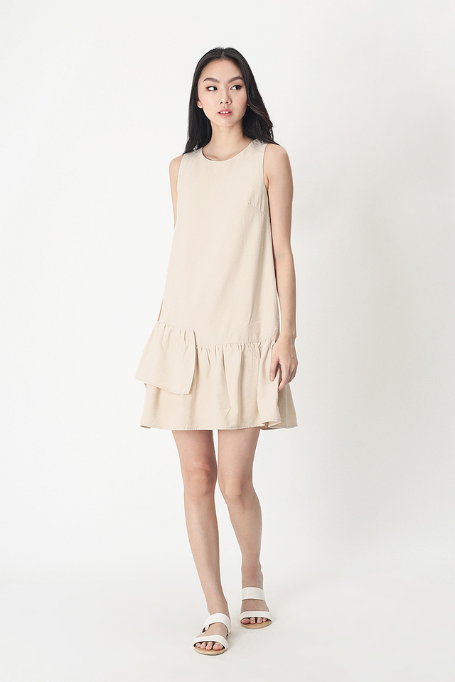 MANDY TIER HEM DRESS IN CREAM