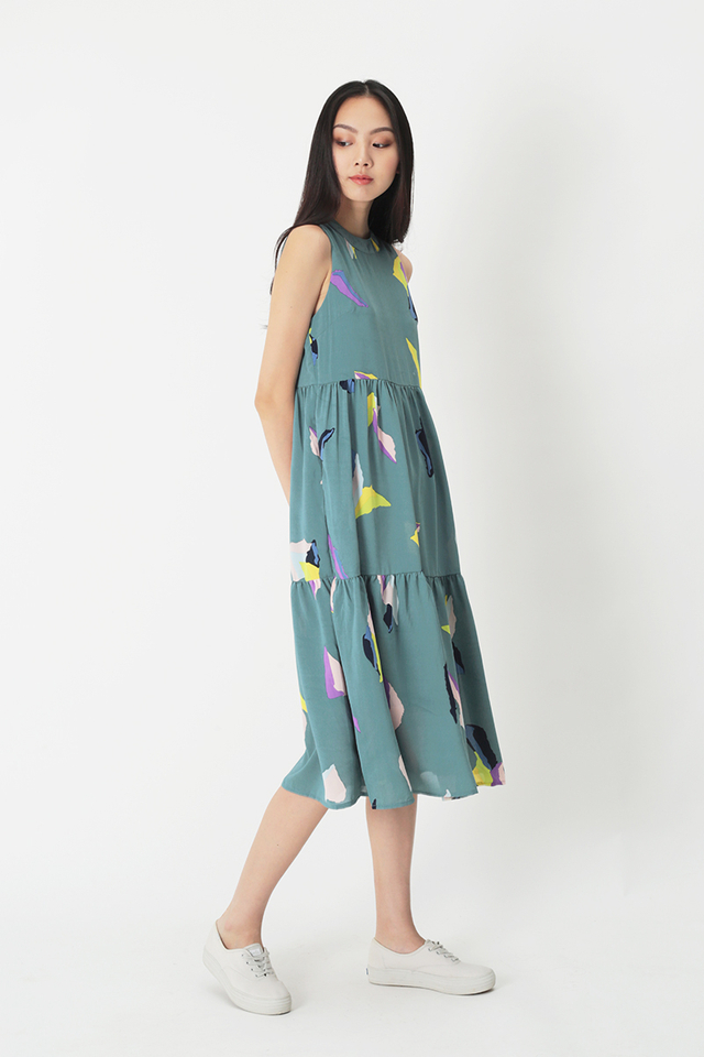 DARCEY ABSTRACT ART TIER DRESS IN CARIBBEAN