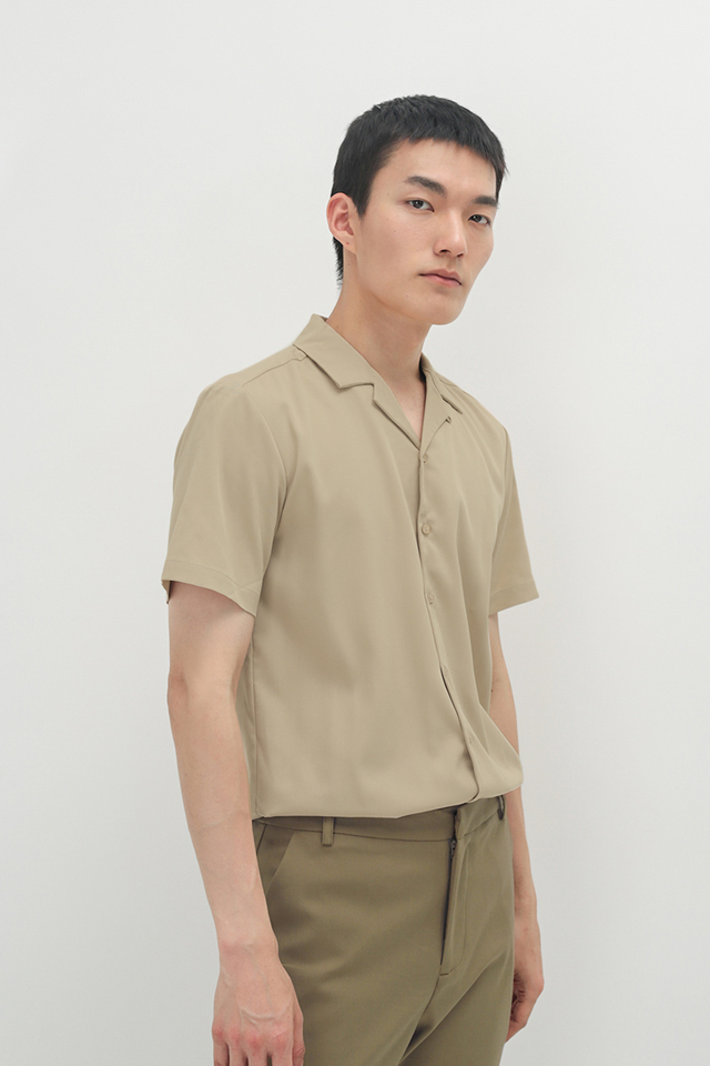THEO SLIM-FIT CAMP COLLAR SHIRT IN CREAM