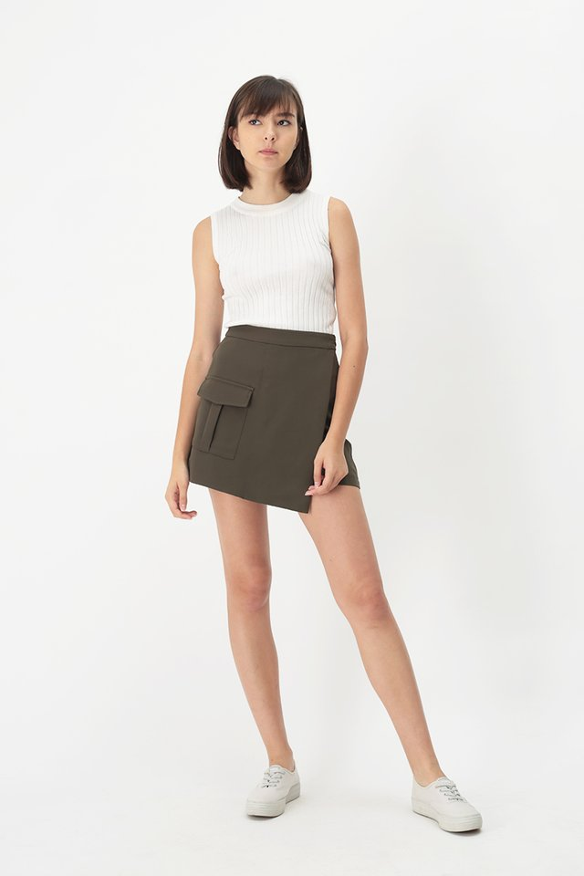 CAMERON POCKET SKORTS IN OLIVE