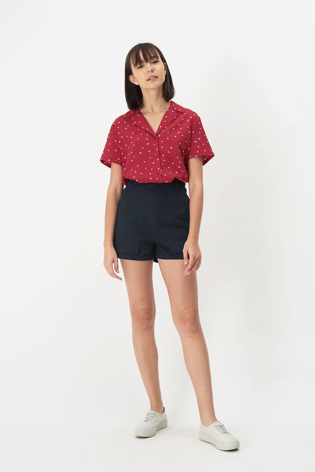 GLADYS MINI HEARTS CAMP COLLAR SHIRT IN RED