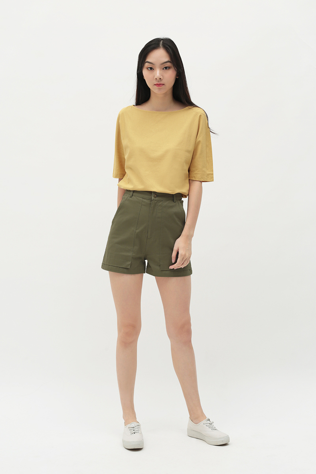JULIAN PATCH POCKET SHORTS IN OLIVE