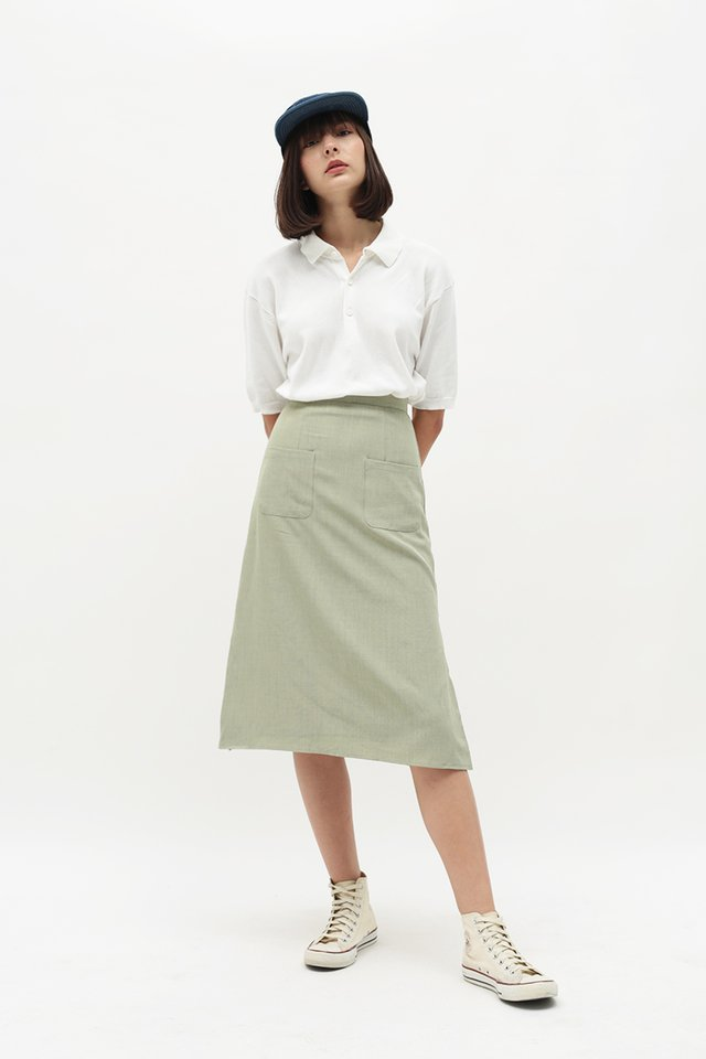 AVA PATCH POCKET SKIRT IN SAGE