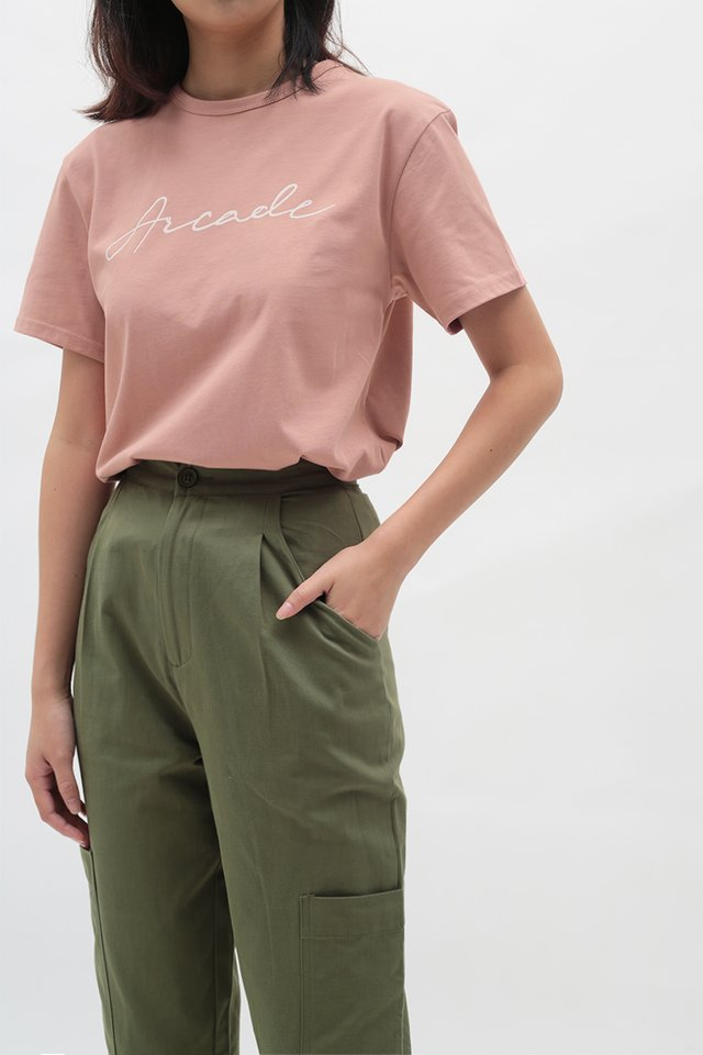 ARCADE SCRIPT LOGO T-SHIRT IN BLUSH