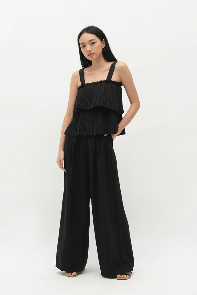 IVY PLEATED TOP IN BLACK