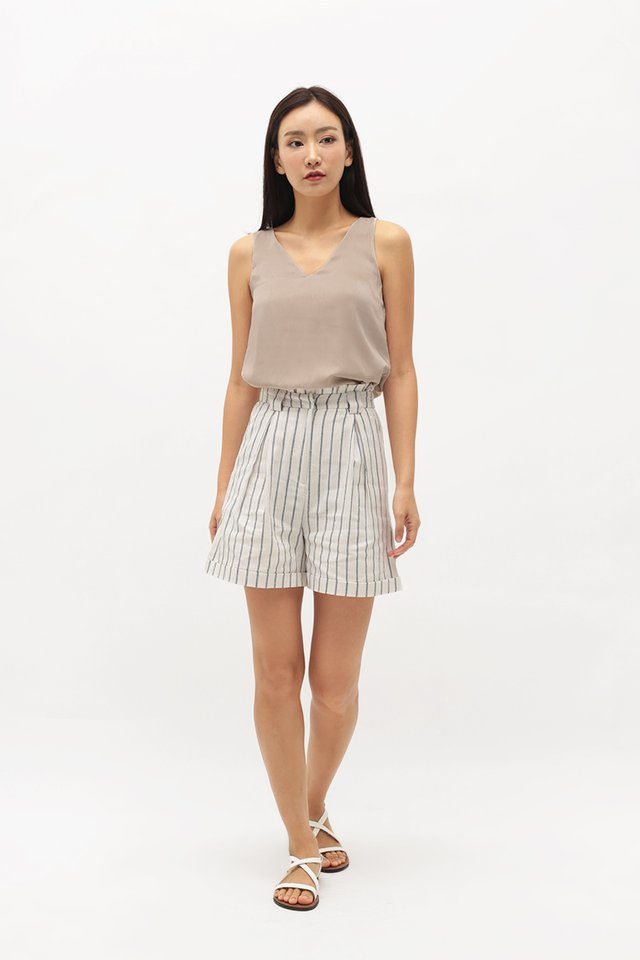 KIRA STRIPE PAPERBAG SHORTS IN WHITE