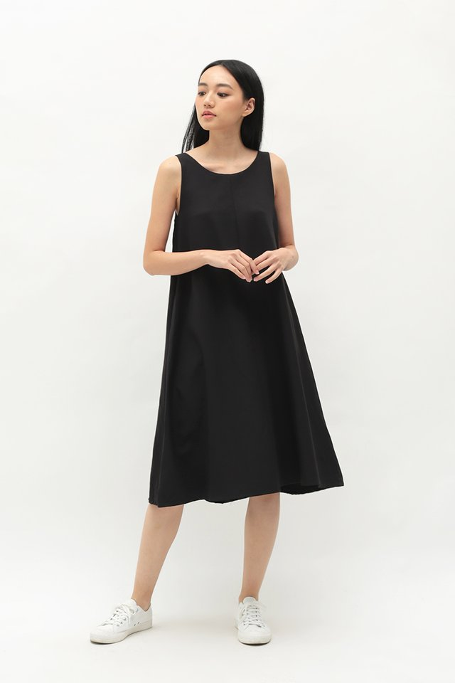 THALISSA TWO WAY DRESS IN BLACK