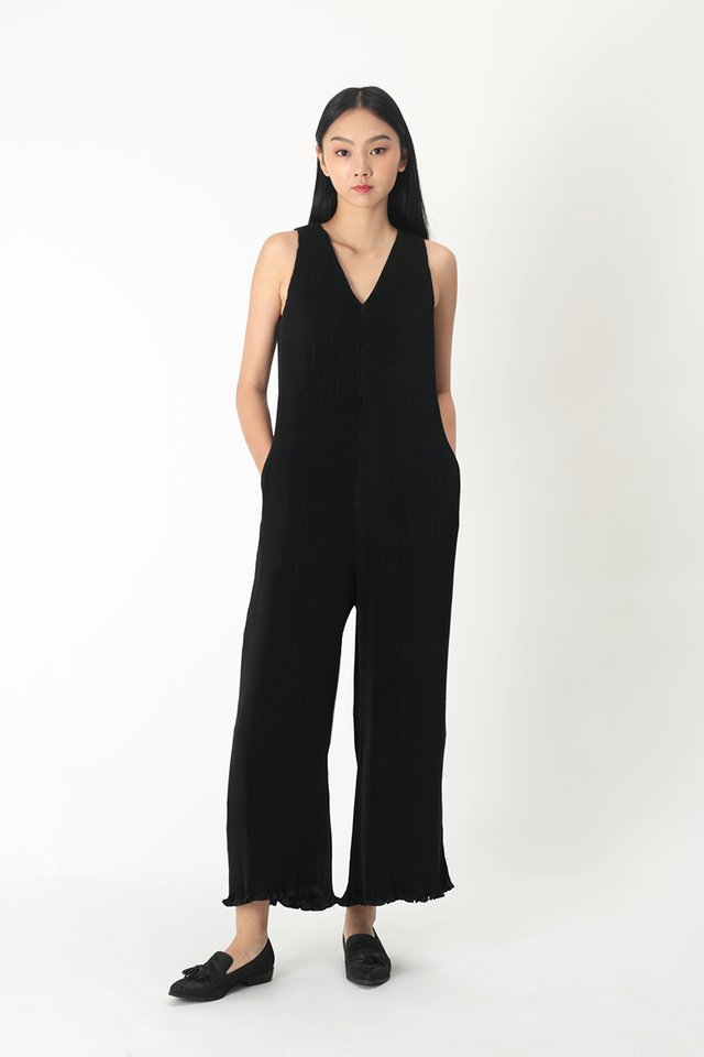 CHIARA PLEATED JUMPSUIT IN BLACK