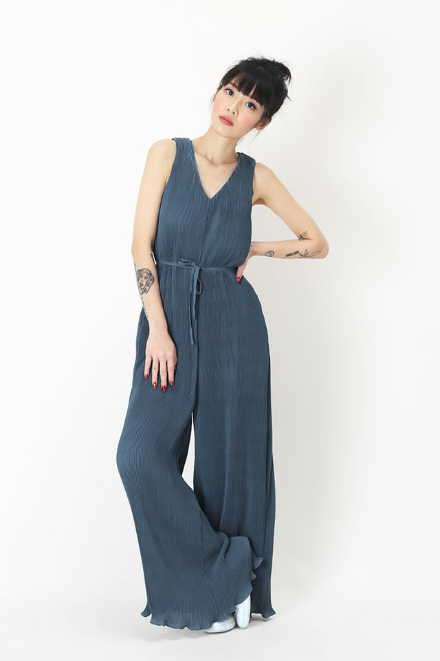 CHIARA PLEATED JUMPSUIT IN OASIS BLUE
