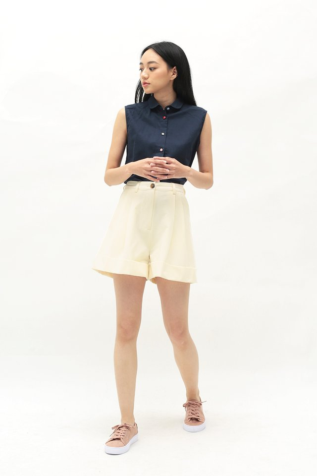 FRANKIE PLEATED SHORTS IN VANILLA