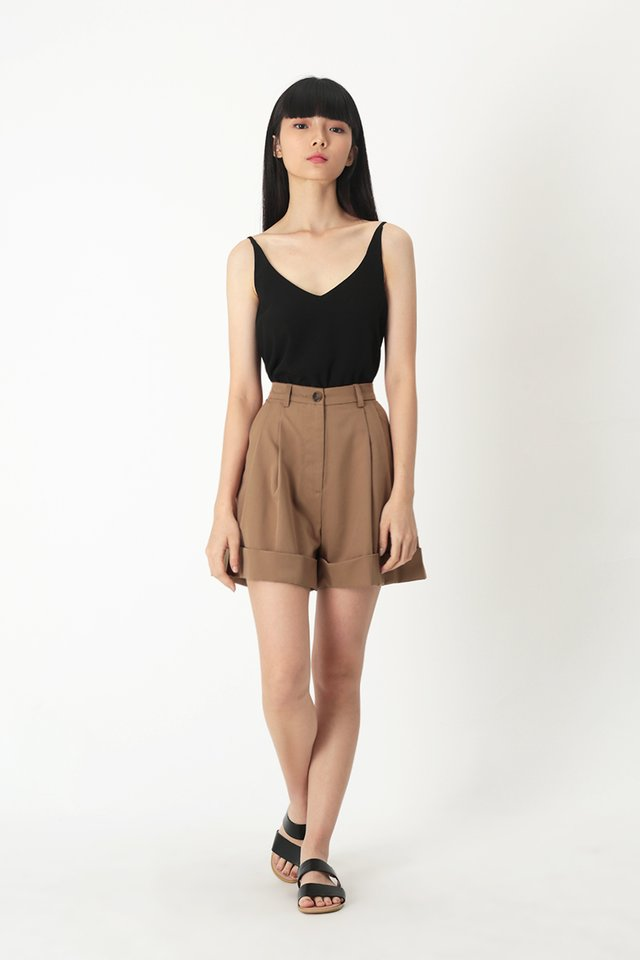 FRANKIE PLEATED SHORTS IN HAZEL
