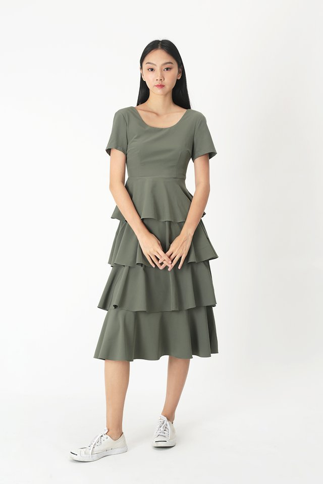LAURETTE TIER DRESS IN VINEYARD GREEN
