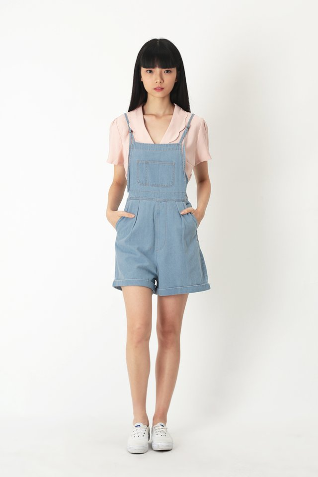BETSY DENIM OVERALLS IN LIGHT WASH