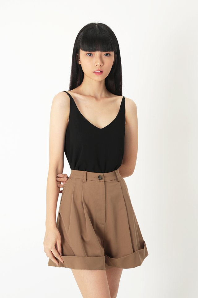 KARI SPAG TOP IN BLACK