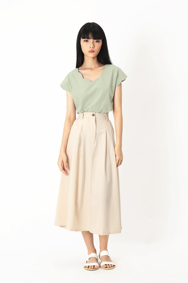 MARISE SCALLOP BLOUSE IN SAGE