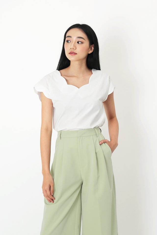 MARISE SCALLOP BLOUSE IN WHITE