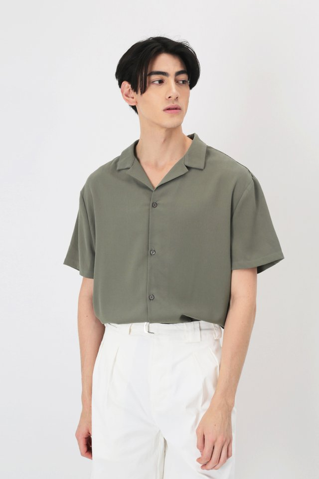 AIDEN CAMP COLLAR SHIRT IN MOSS